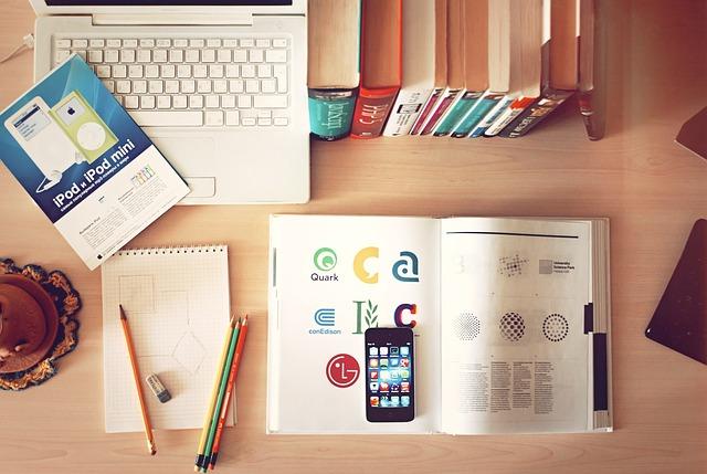 Potencialidades e desafios do mestrado e do doutorado EaD: indagações e proposições